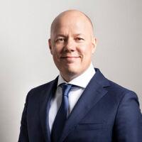 Sami Mäentausta, Johtaja - rahoitus ja talous, Saka