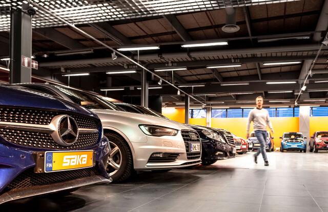 3 saker att tänka på när du säljer din bil privat – låt Saka göra jobbet åt dig!