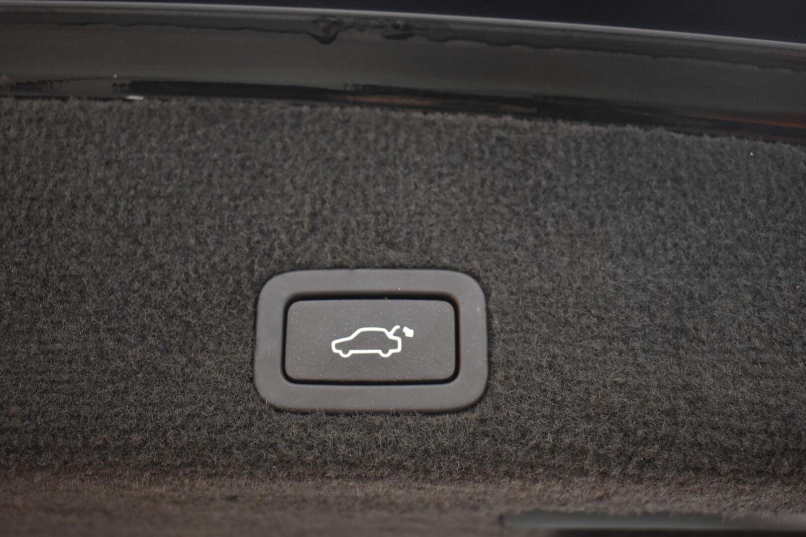 Musta Maastoauto, Volvo XC60 – BVZ-189, kuva 23