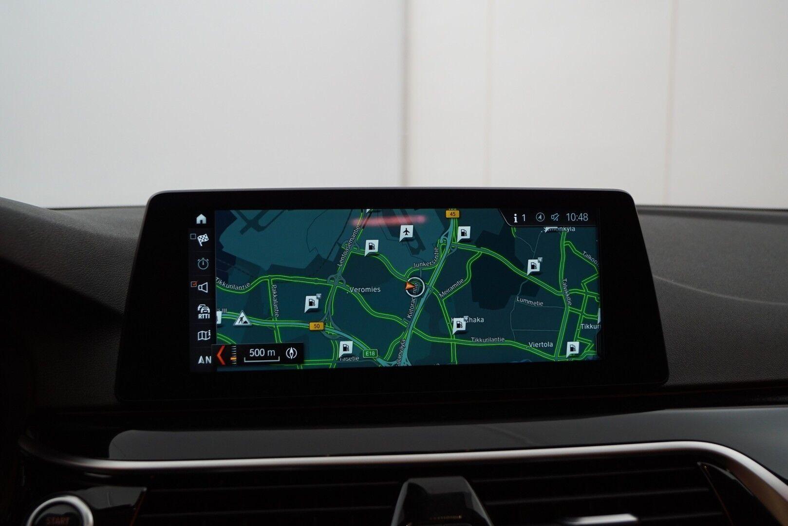 Musta Sedan, BMW 520 – EXP-5828, kuva 18