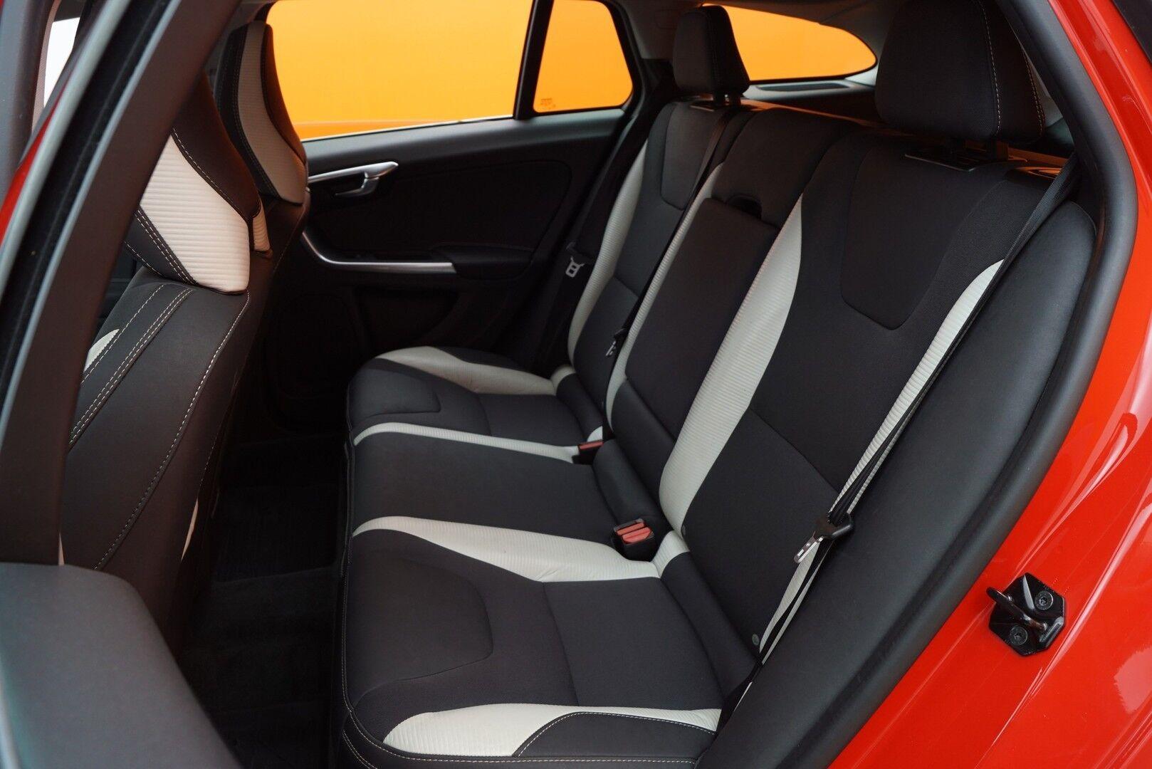 Punainen Farmari, Volvo V60 – HER-41097, kuva 13
