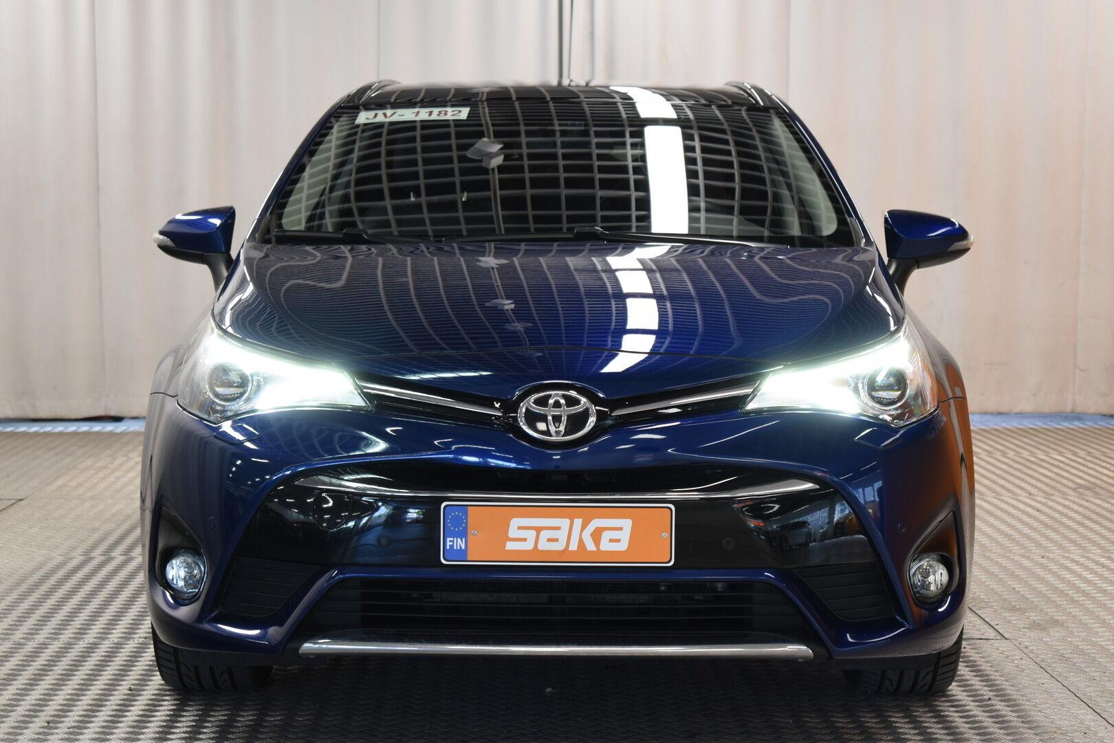 Sininen Farmari, Toyota Avensis – HER-7327, kuva 2