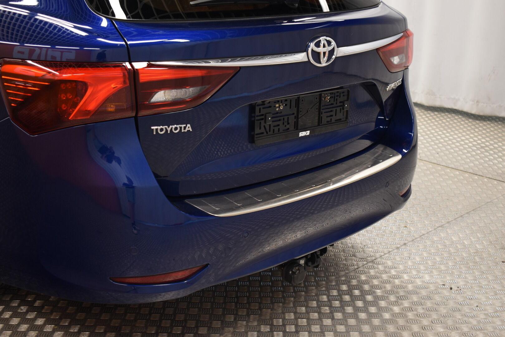 Sininen Farmari, Toyota Avensis – HER-7327, kuva 6