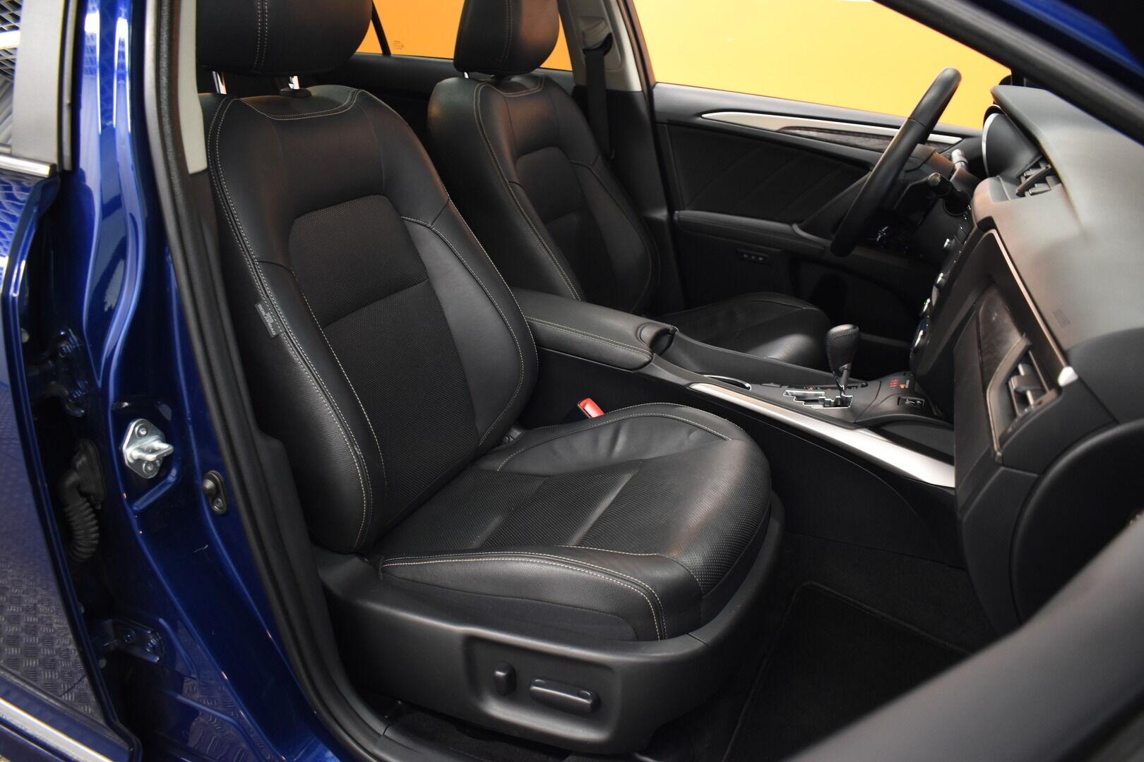 Sininen Farmari, Toyota Avensis – HER-7327, kuva 12