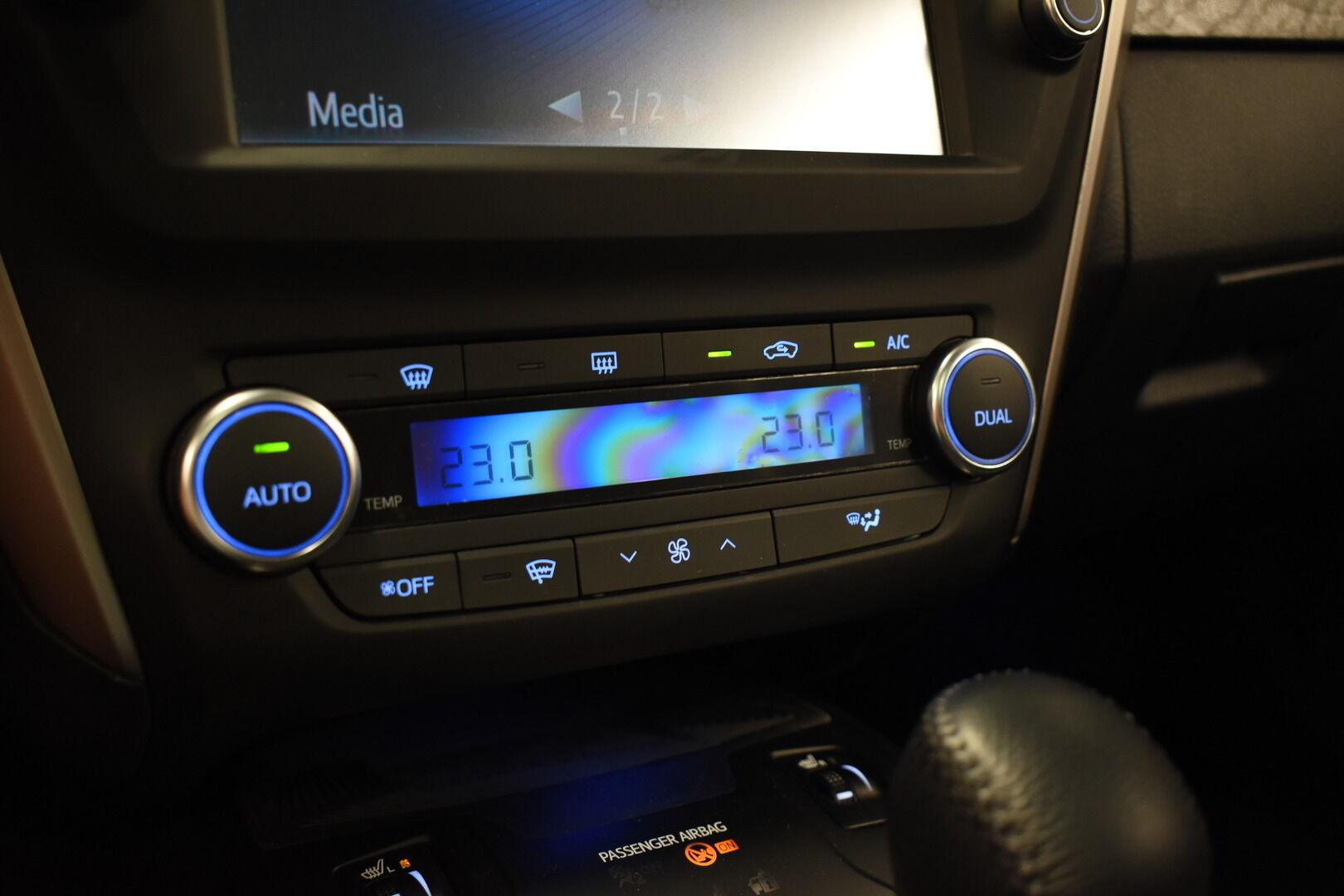 Sininen Farmari, Toyota Avensis – HER-7327, kuva 22