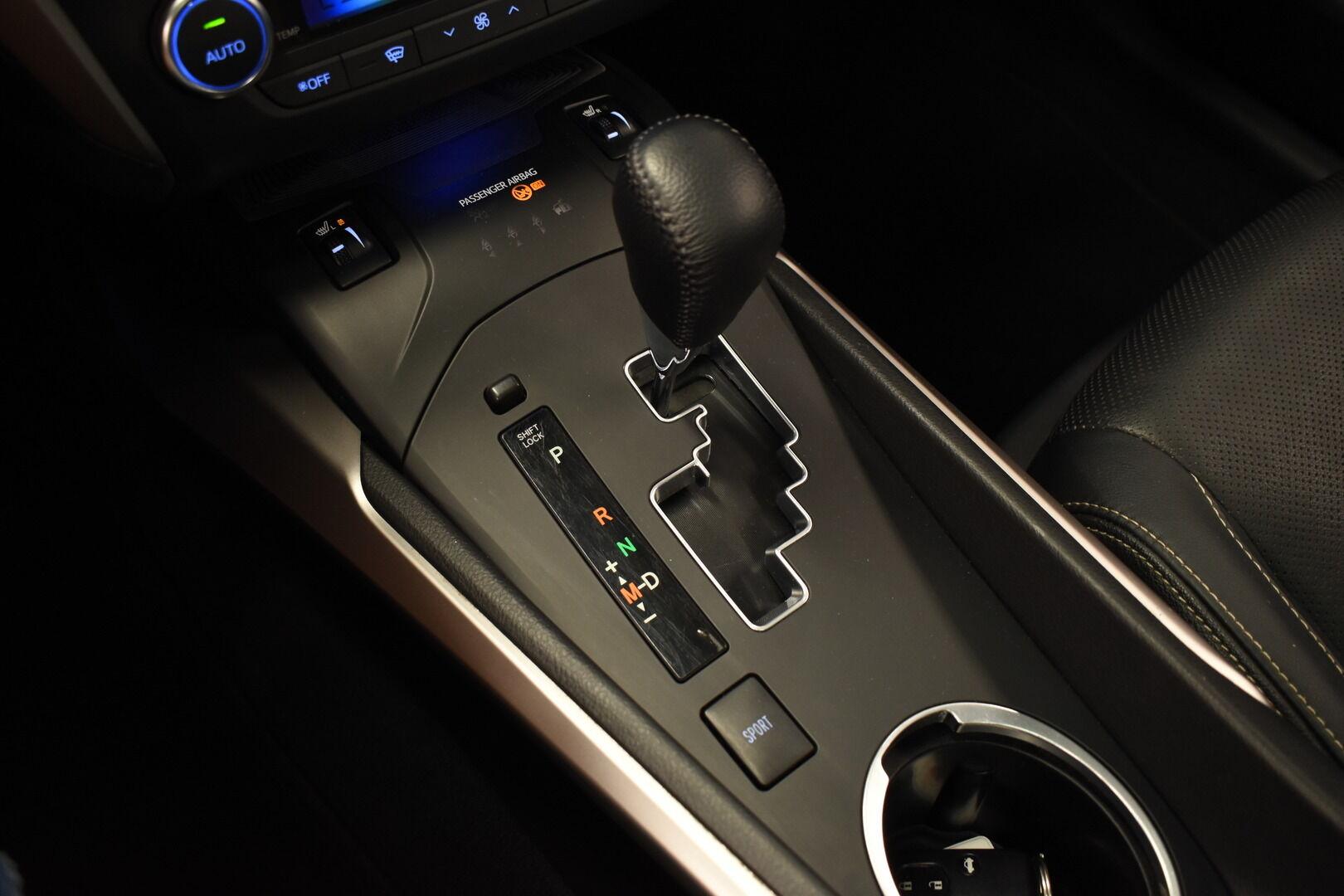 Sininen Farmari, Toyota Avensis – HER-7327, kuva 23