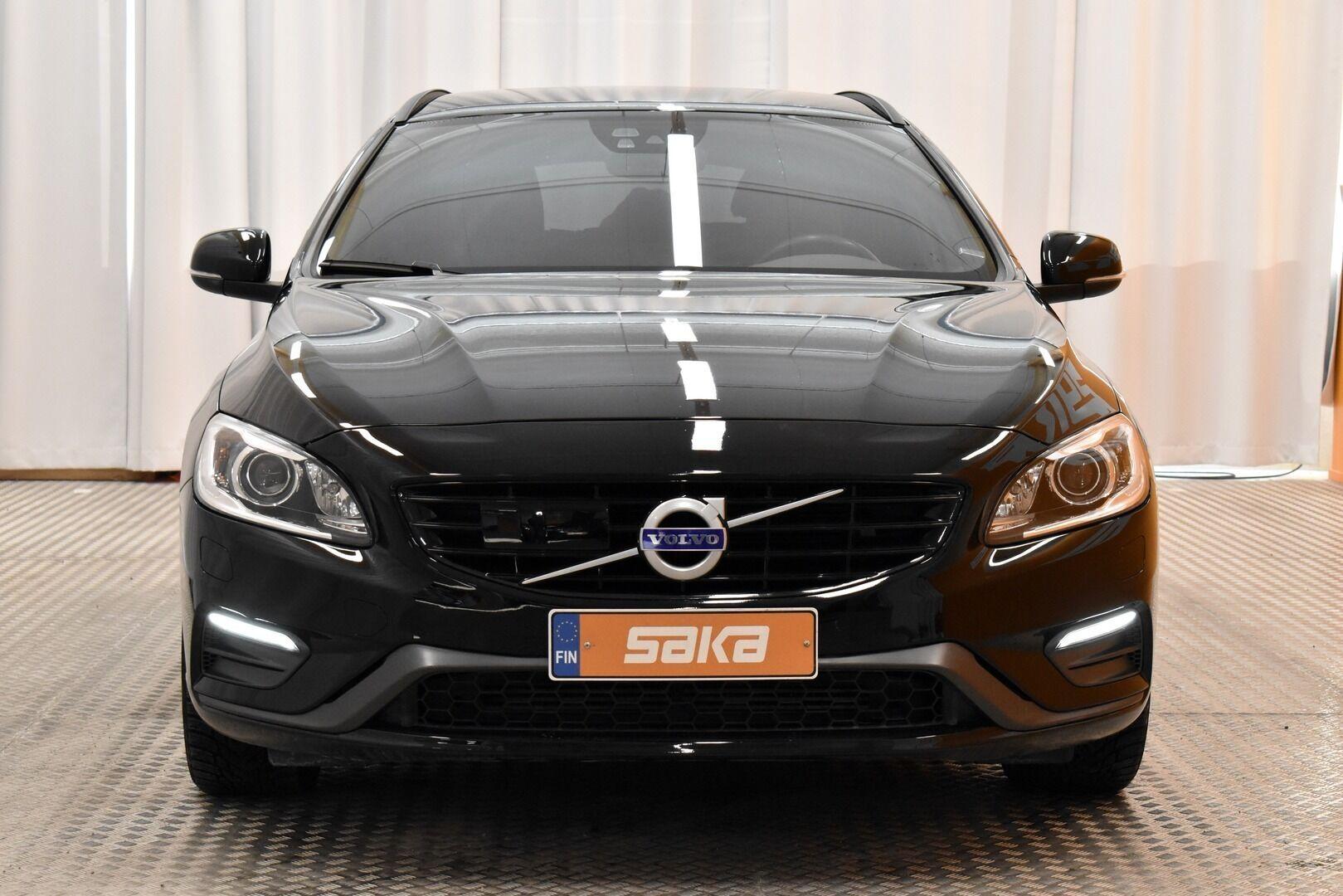 Musta Farmari, Volvo V60 – JÄR-93292, kuva 2