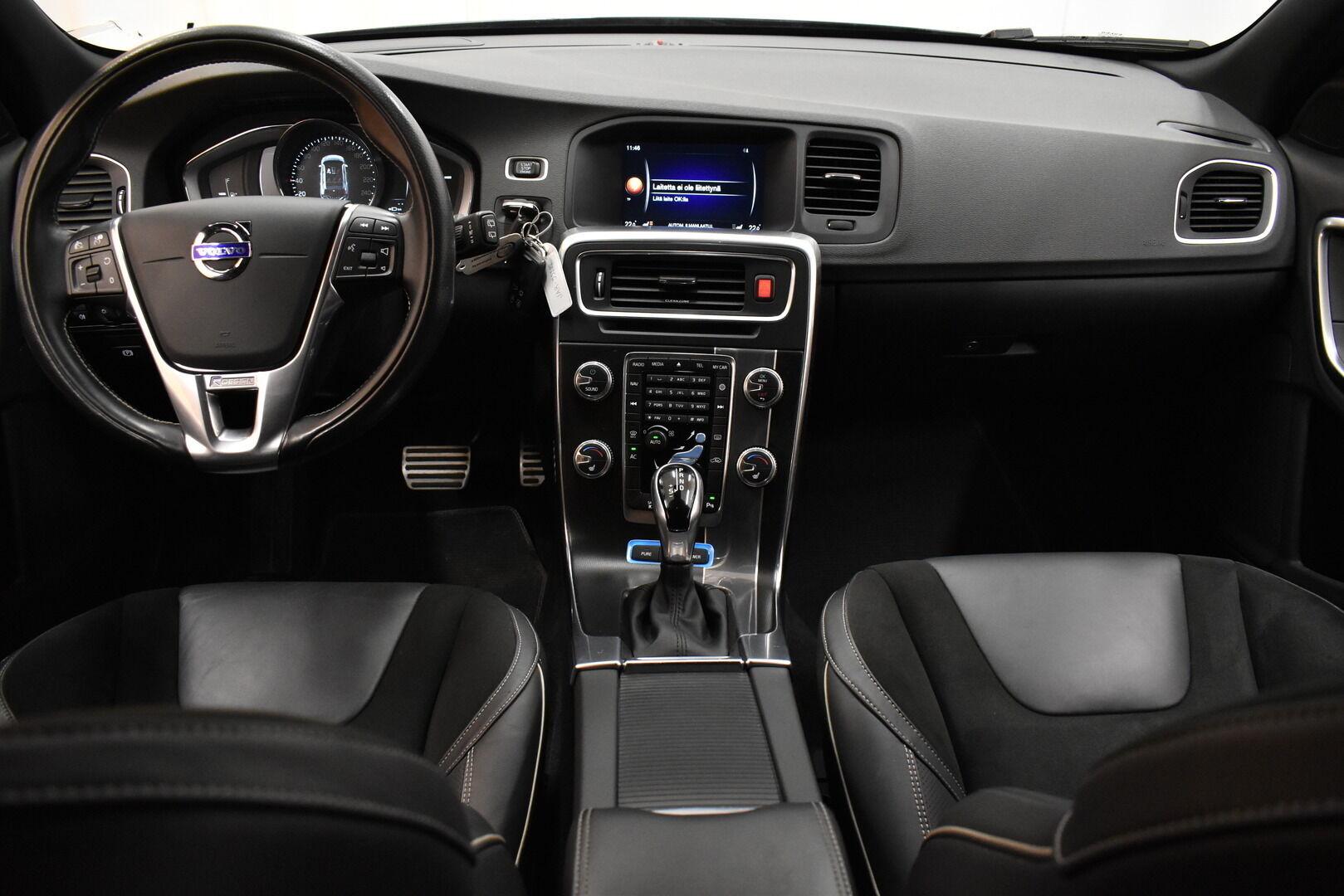 Musta Farmari, Volvo V60 – JÄR-93292, kuva 14