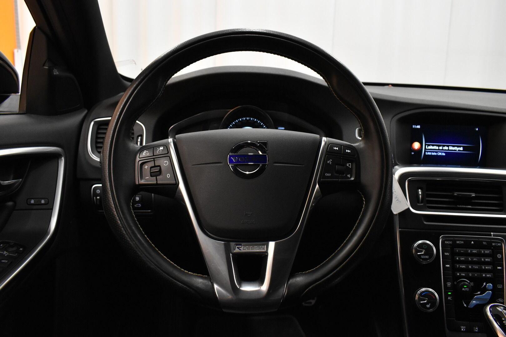 Musta Farmari, Volvo V60 – JÄR-93292, kuva 16