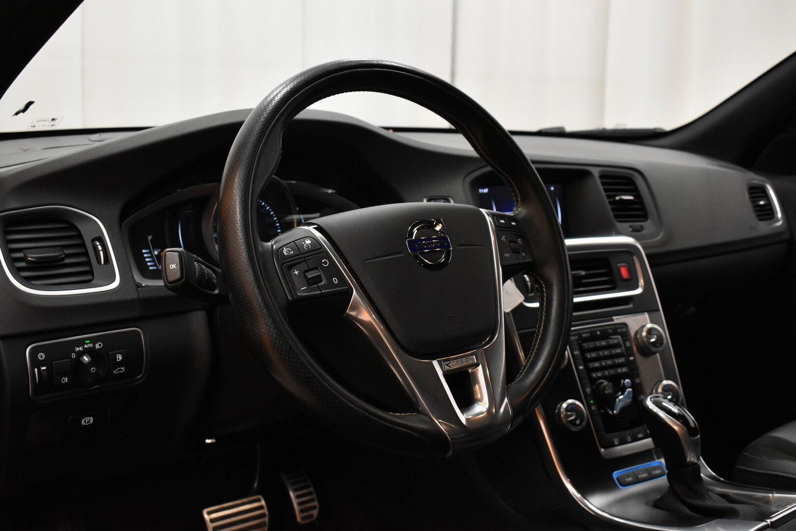 Musta Farmari, Volvo V60 – JÄR-93292, kuva 17