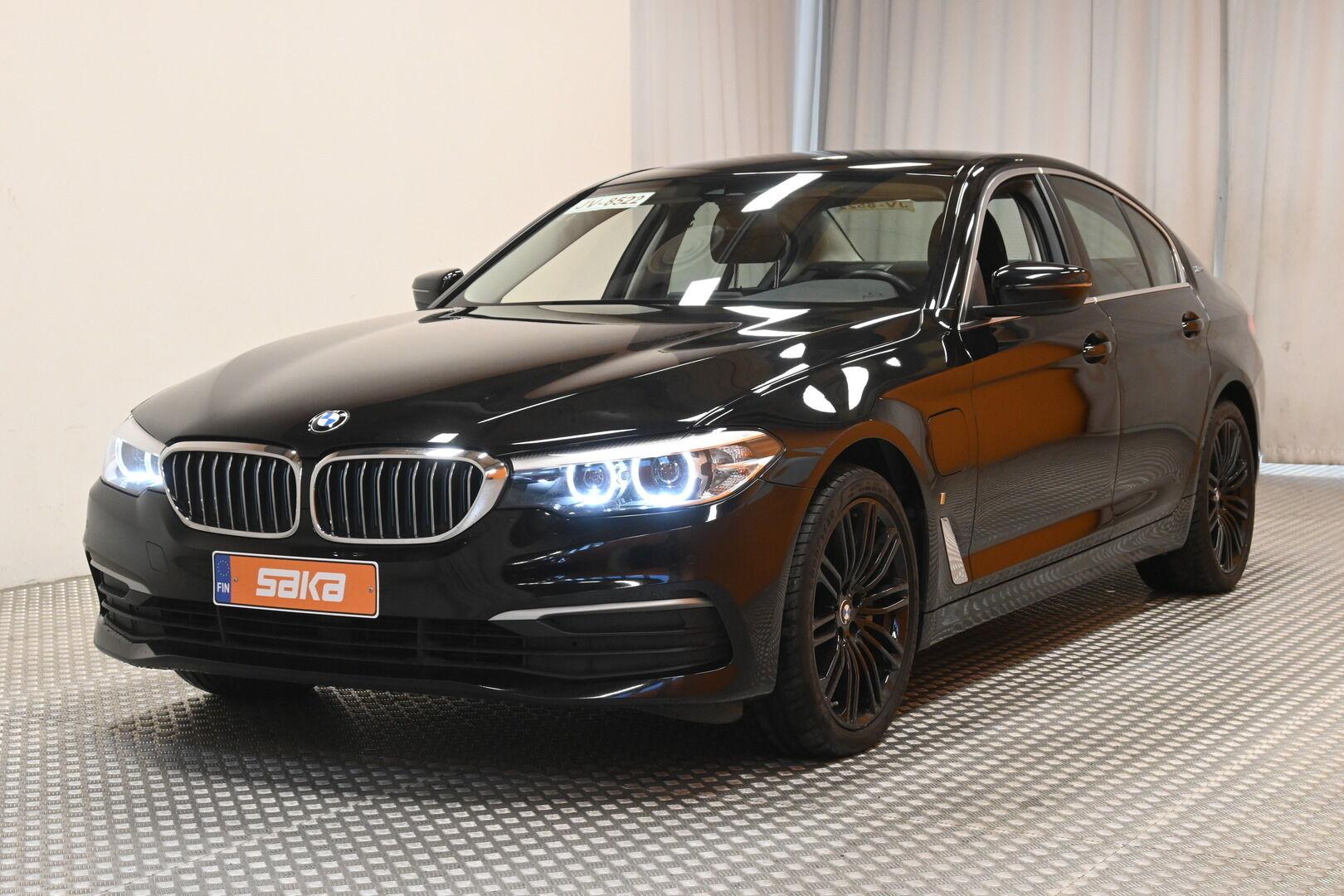 Musta Sedan, BMW 530 – KON-32251, kuva 2
