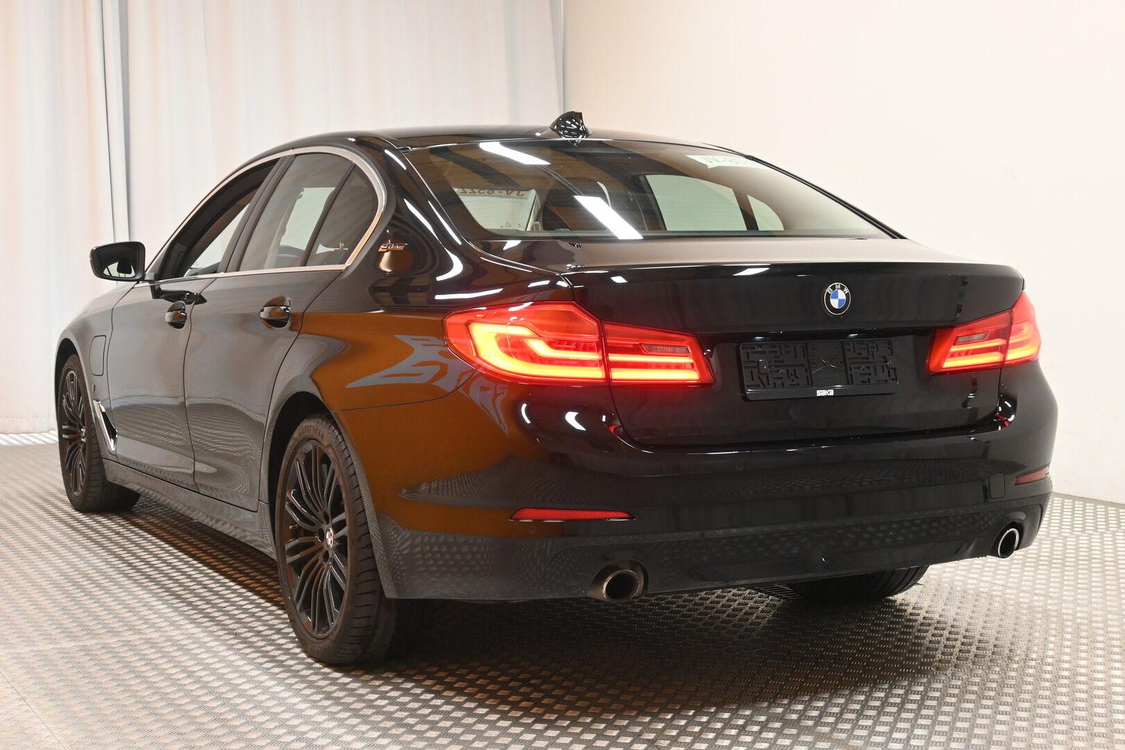 Musta Sedan, BMW 530 – KON-32251, kuva 3