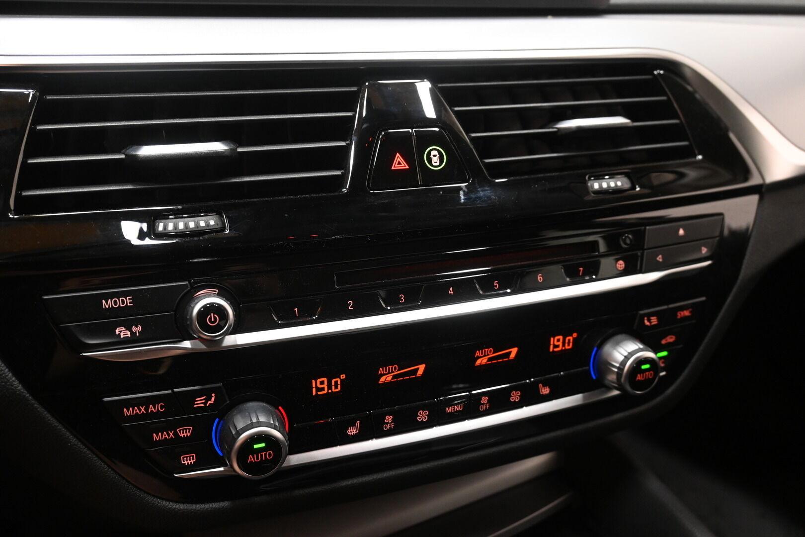 Musta Sedan, BMW 530 – KON-32251, kuva 16