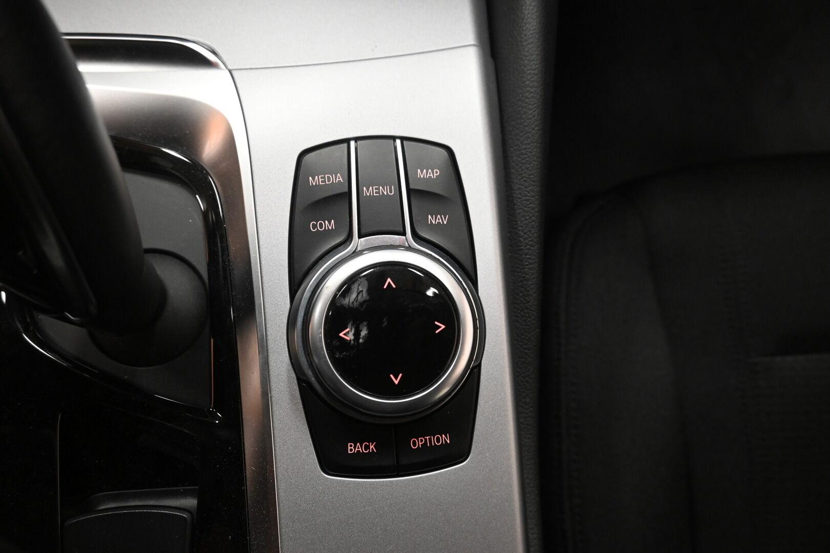 Musta Sedan, BMW 530 – KON-32251, kuva 18
