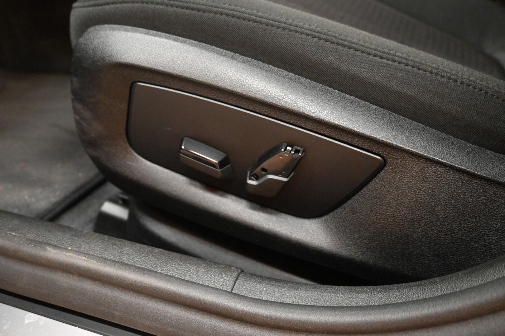 Musta Sedan, BMW 530 – KON-32251, kuva 20