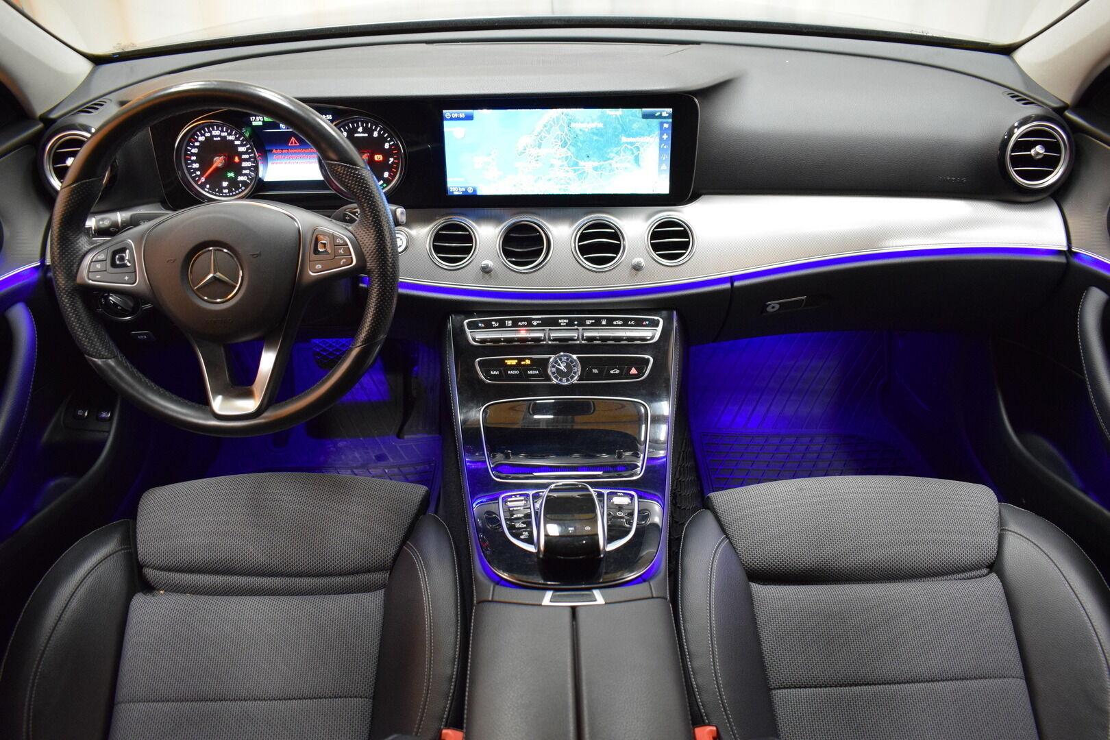 Harmaa Sedan, Mercedes-Benz E – KON-8903, kuva 11