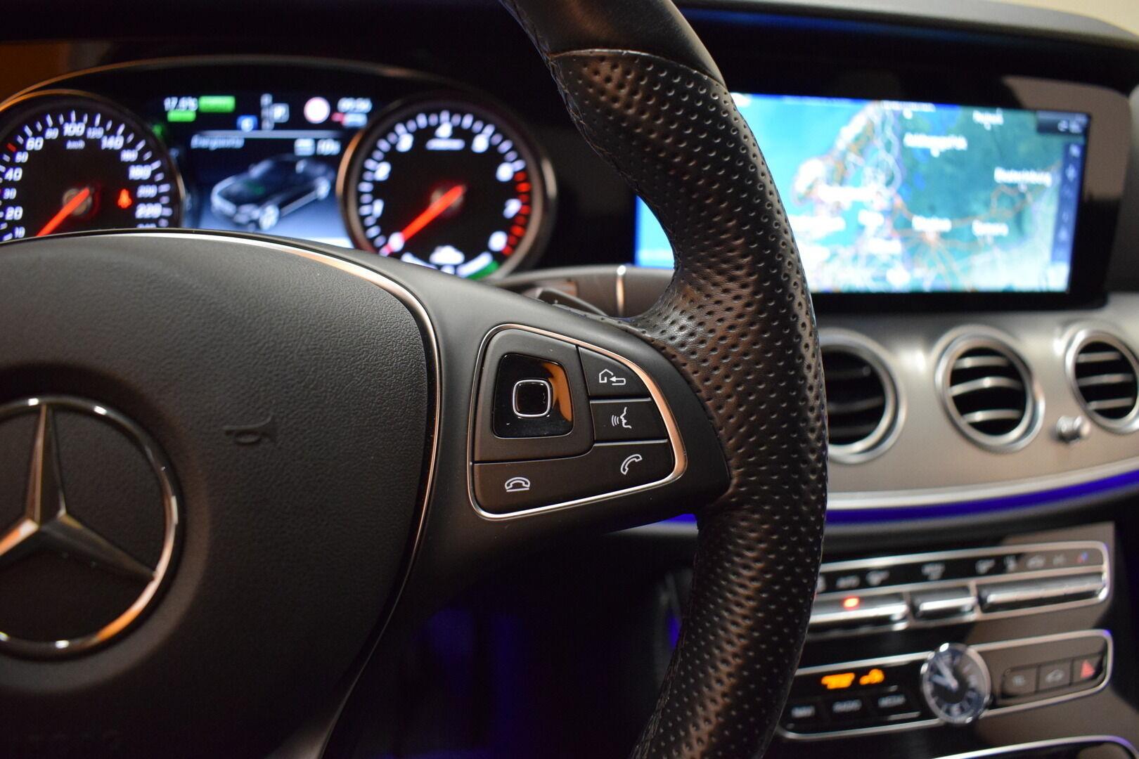 Harmaa Sedan, Mercedes-Benz E – KON-8903, kuva 14