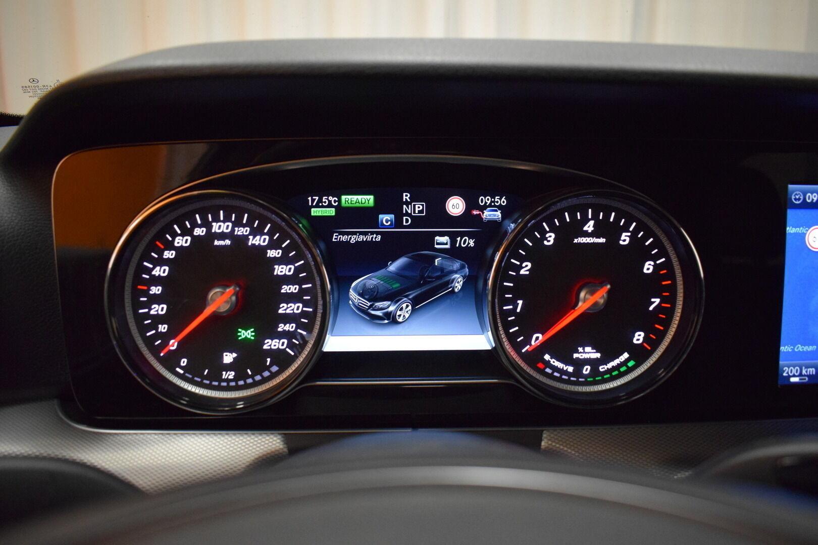 Harmaa Sedan, Mercedes-Benz E – KON-8903, kuva 16