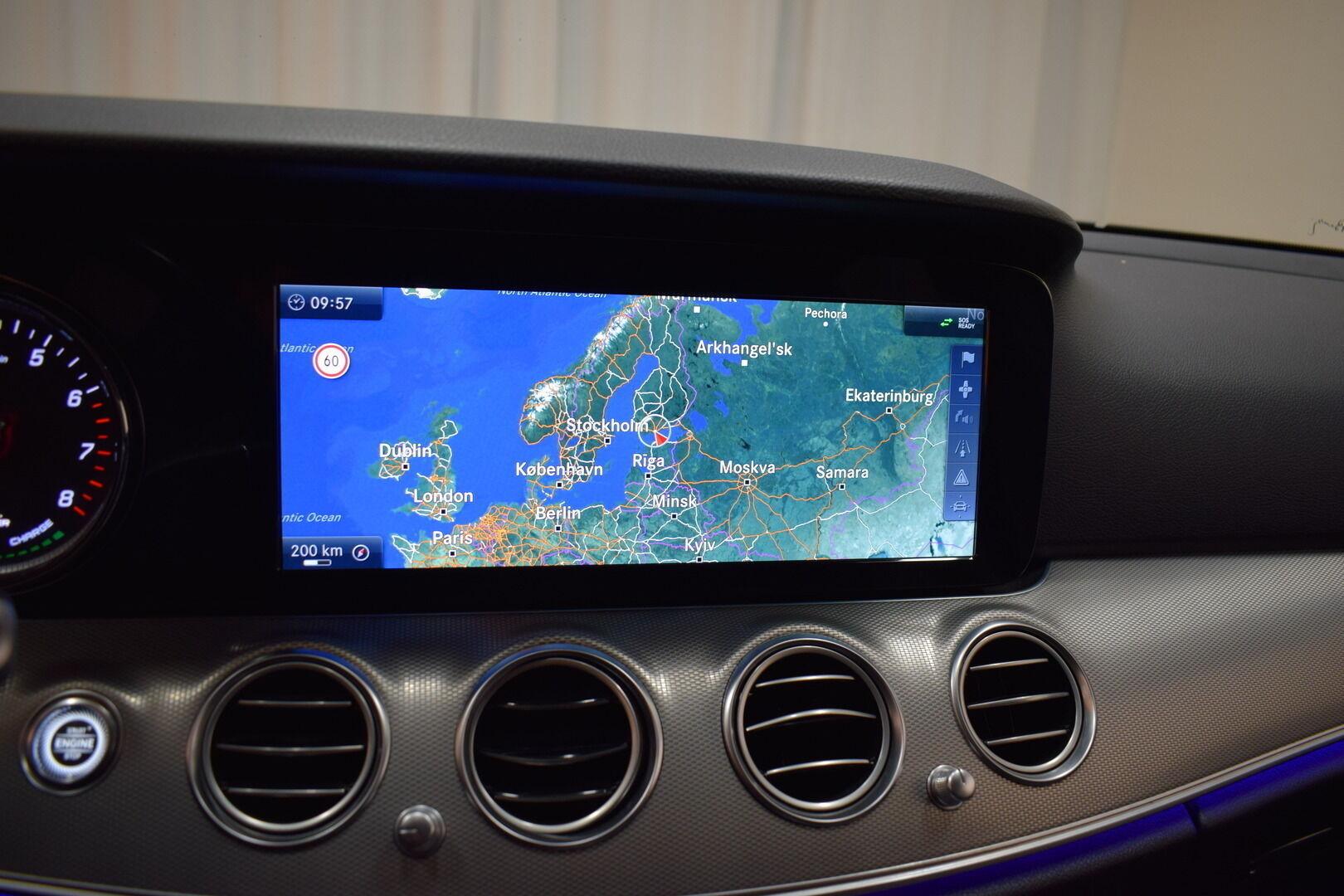 Harmaa Sedan, Mercedes-Benz E – KON-8903, kuva 17