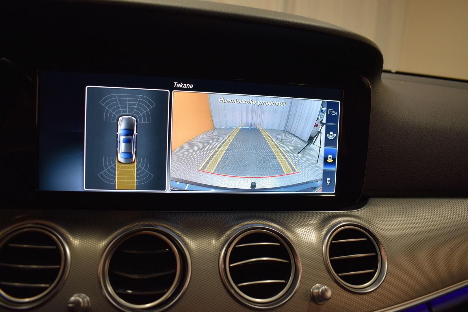 Harmaa Sedan, Mercedes-Benz E – KON-8903, kuva 22