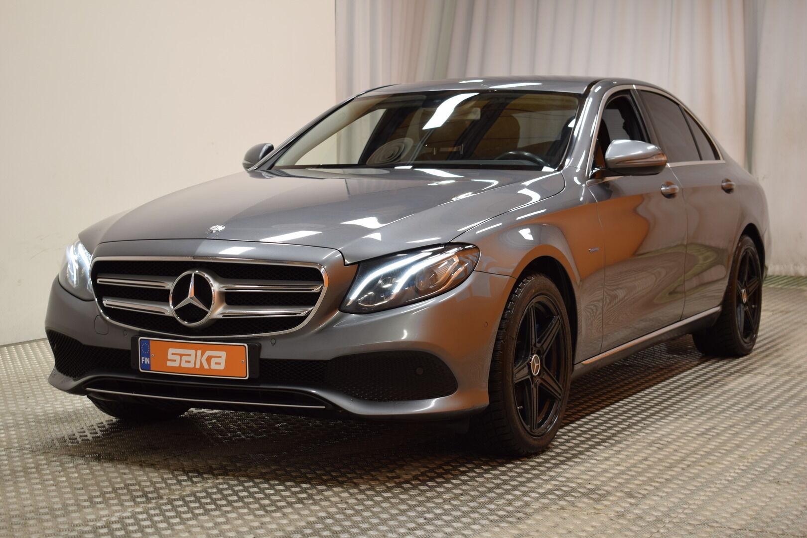 Harmaa Sedan, Mercedes-Benz E – KON-8903, kuva 4