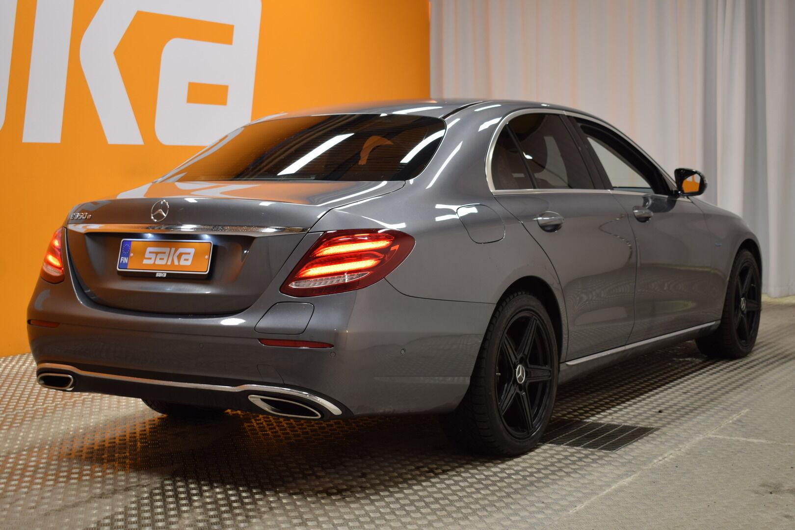 Harmaa Sedan, Mercedes-Benz E – KON-8903, kuva 8