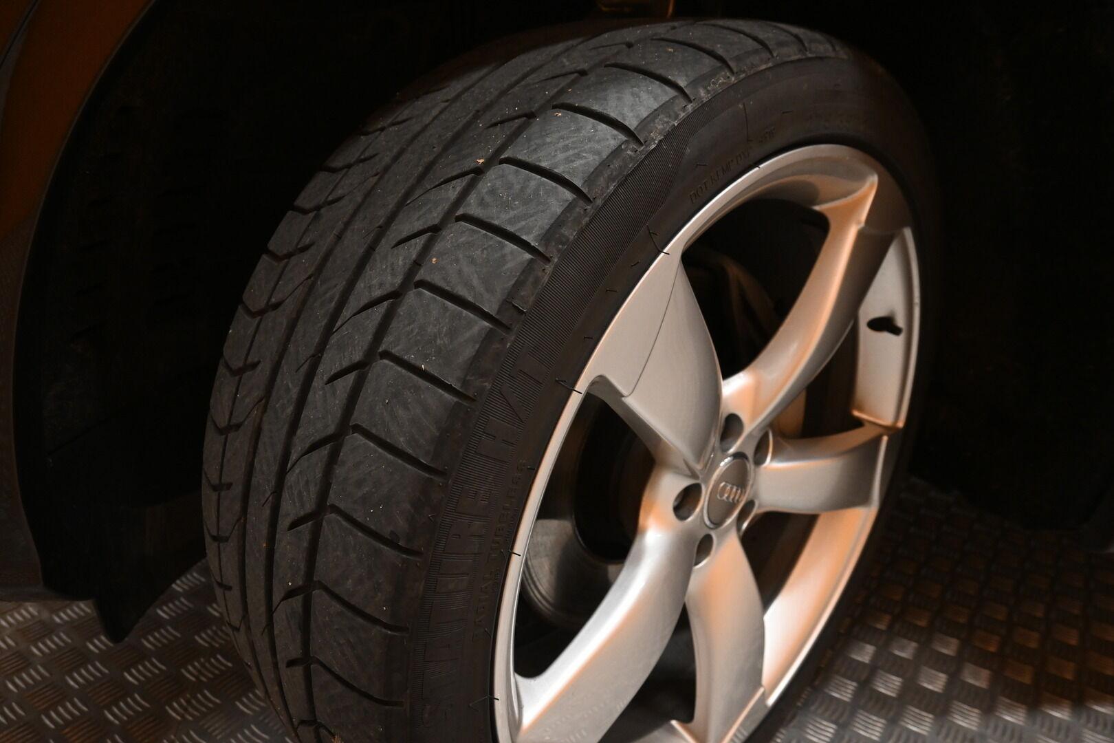 Ruskea Maastoauto, Audi Q5 – KOU-30885, kuva 24