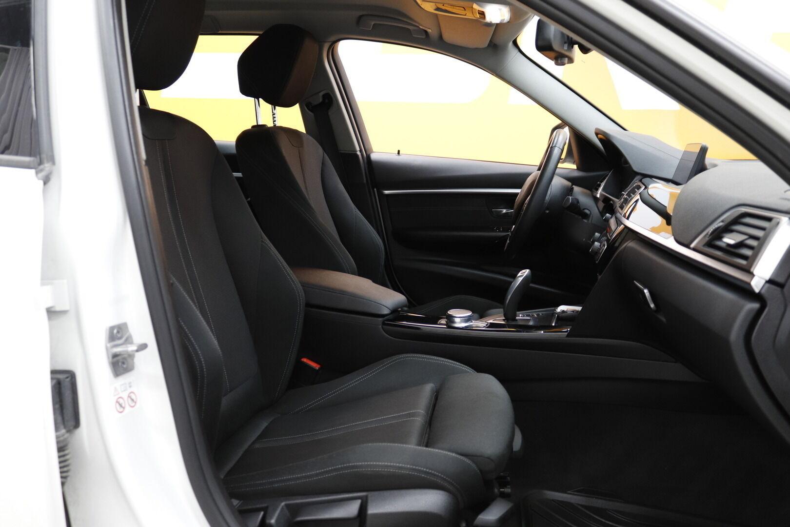 Valkoinen Farmari, BMW 320 – KUO-99506, kuva 11
