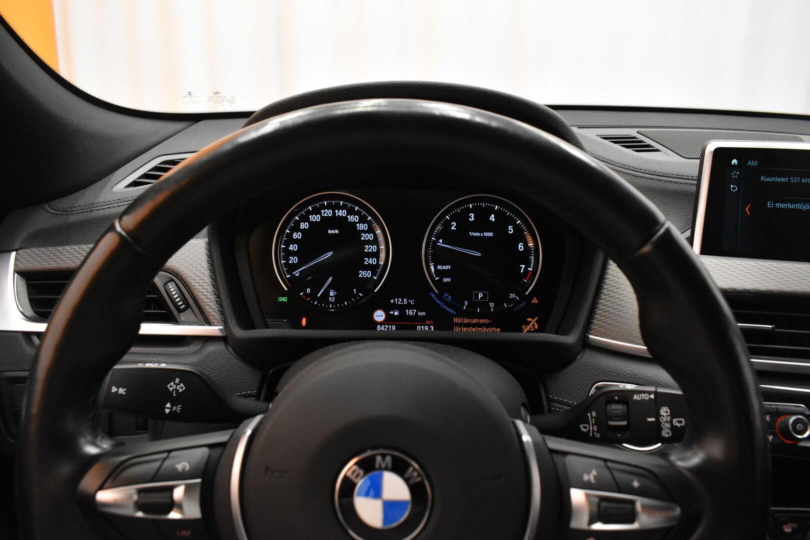 Keltainen Maastoauto, BMW X2 – LAH-64417, kuva 13