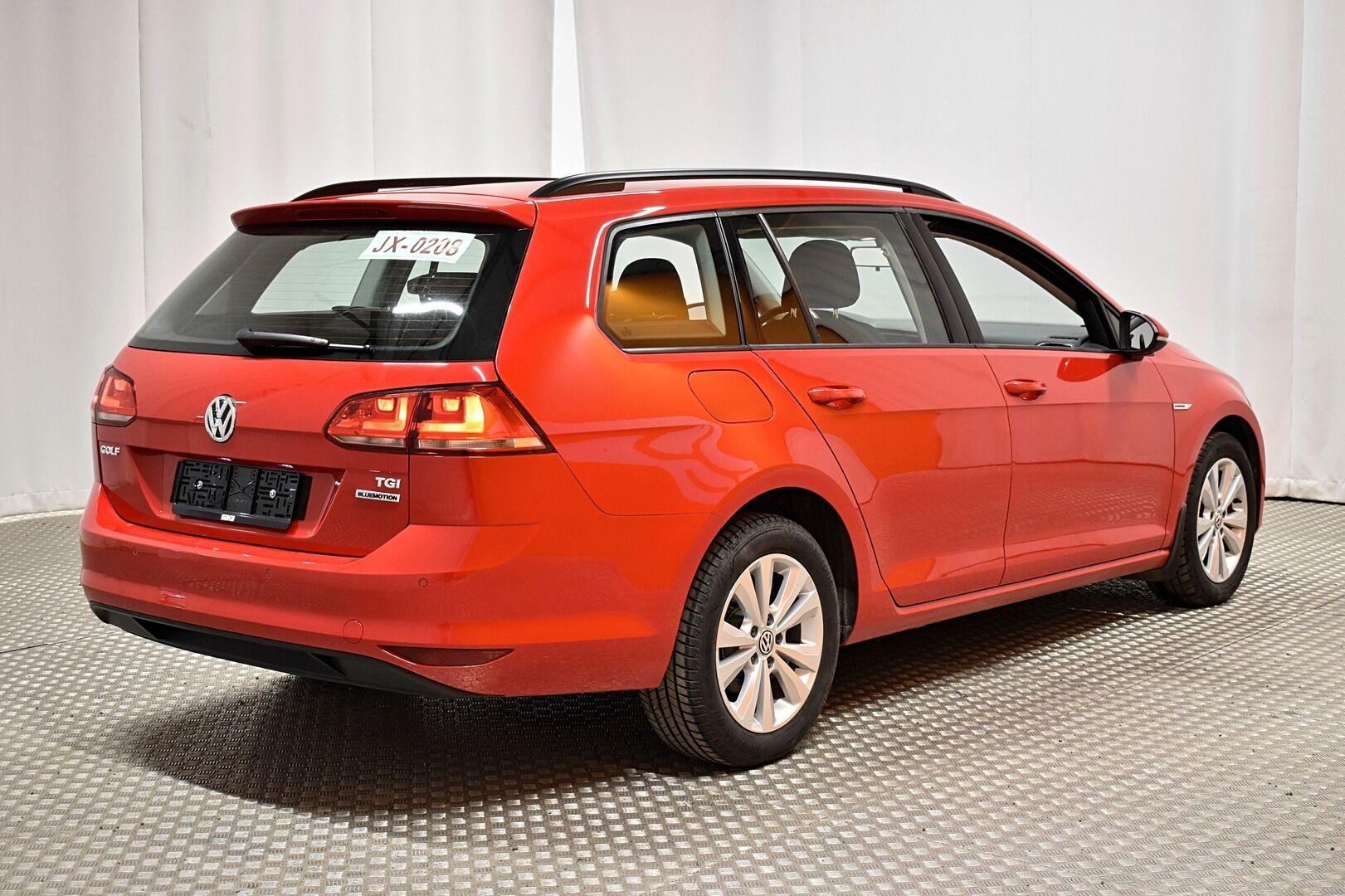 Punainen Farmari, Volkswagen Golf – LEM-79340, kuva 2