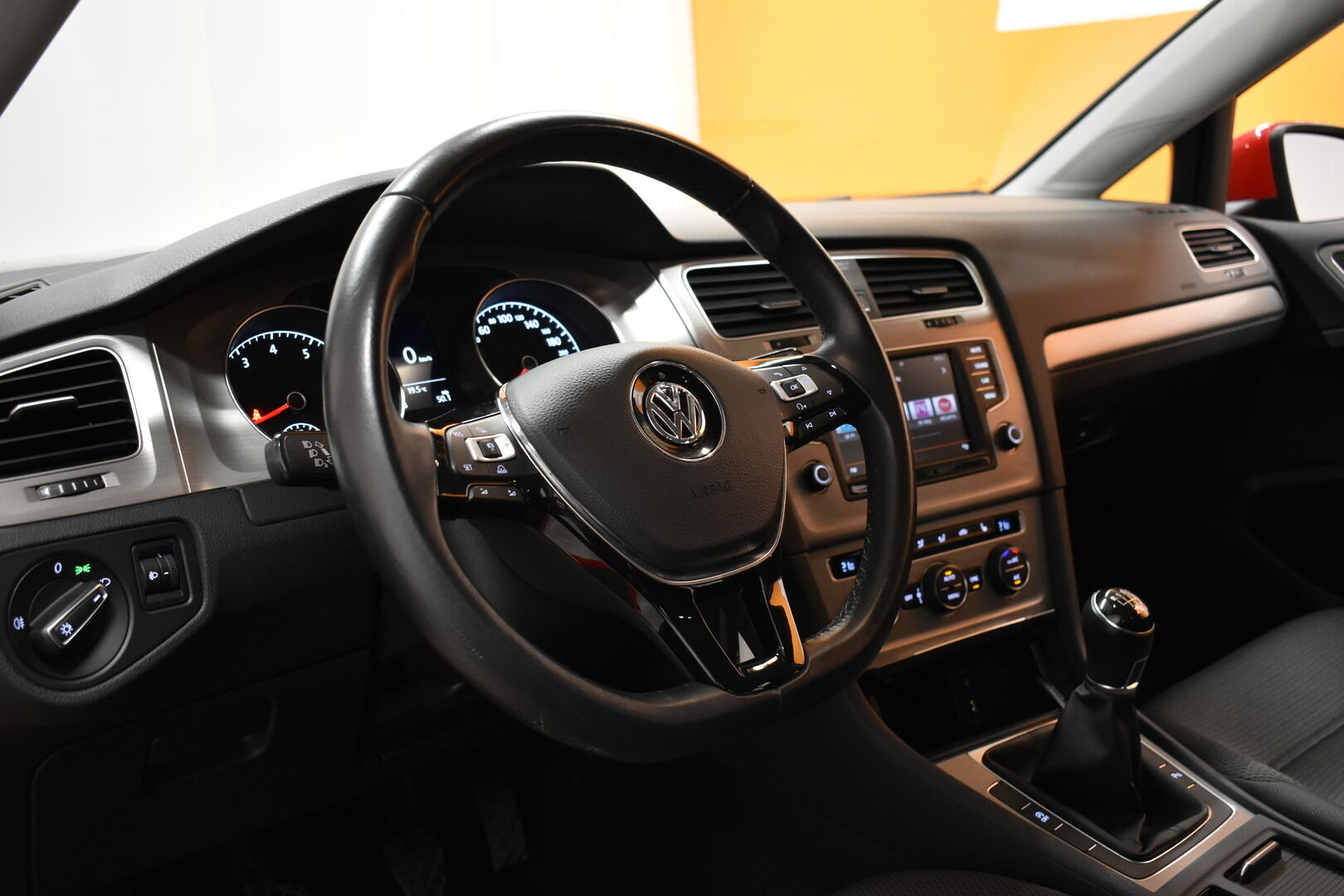 Punainen Farmari, Volkswagen Golf – LEM-79340, kuva 12