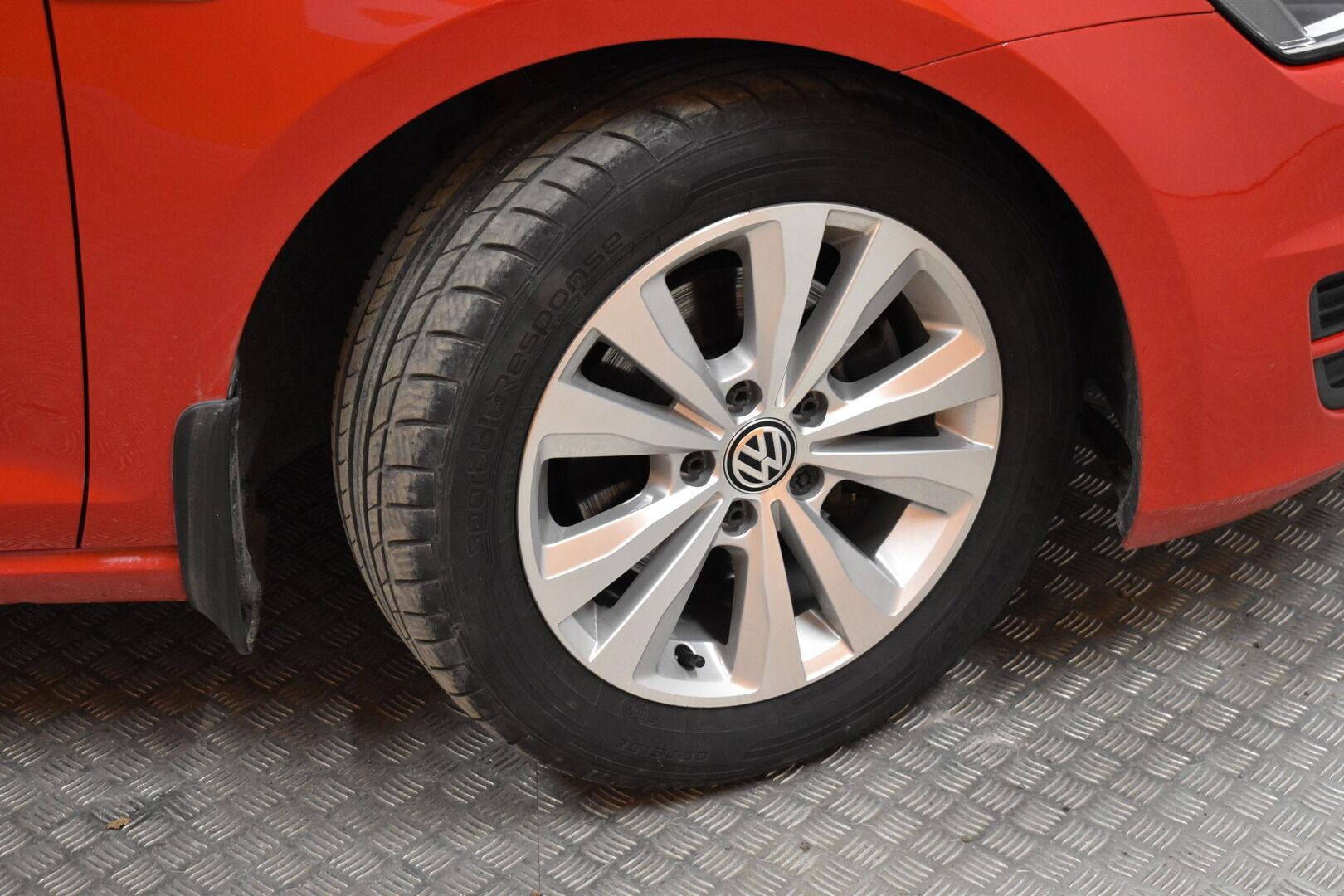 Punainen Farmari, Volkswagen Golf – LEM-79340, kuva 24