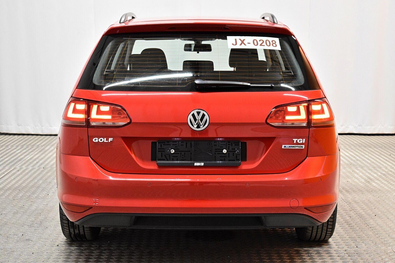 Punainen Farmari, Volkswagen Golf – LEM-79340, kuva 4