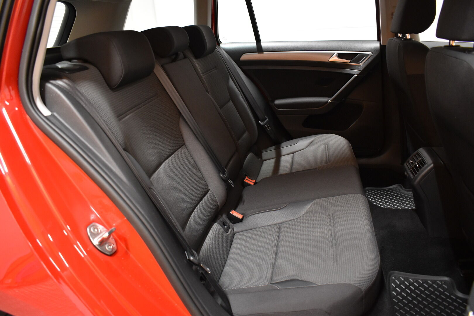 Punainen Farmari, Volkswagen Golf – LEM-79340, kuva 10