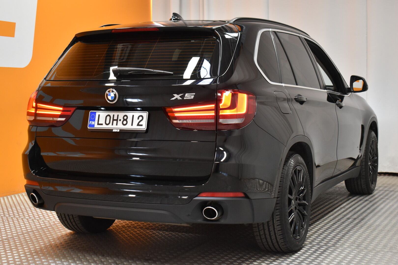 Musta Maastoauto, BMW X5 – LOH-812, kuva 7
