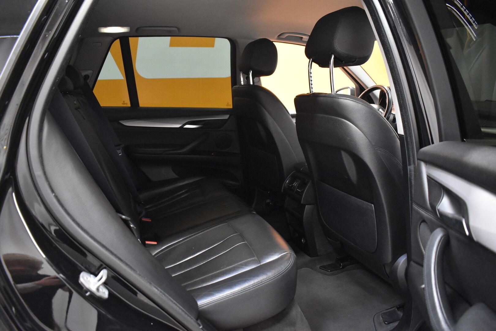 Musta Maastoauto, BMW X5 – LOH-812, kuva 9