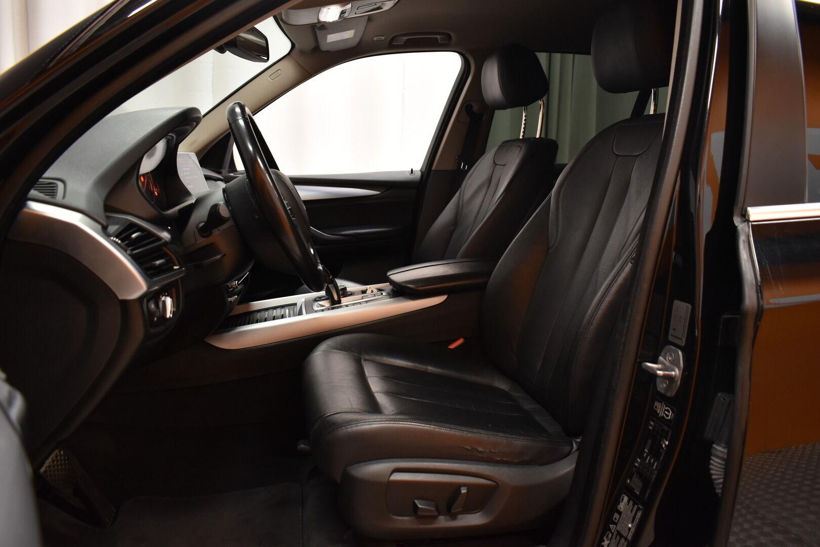 Musta Maastoauto, BMW X5 – LOH-812, kuva 11