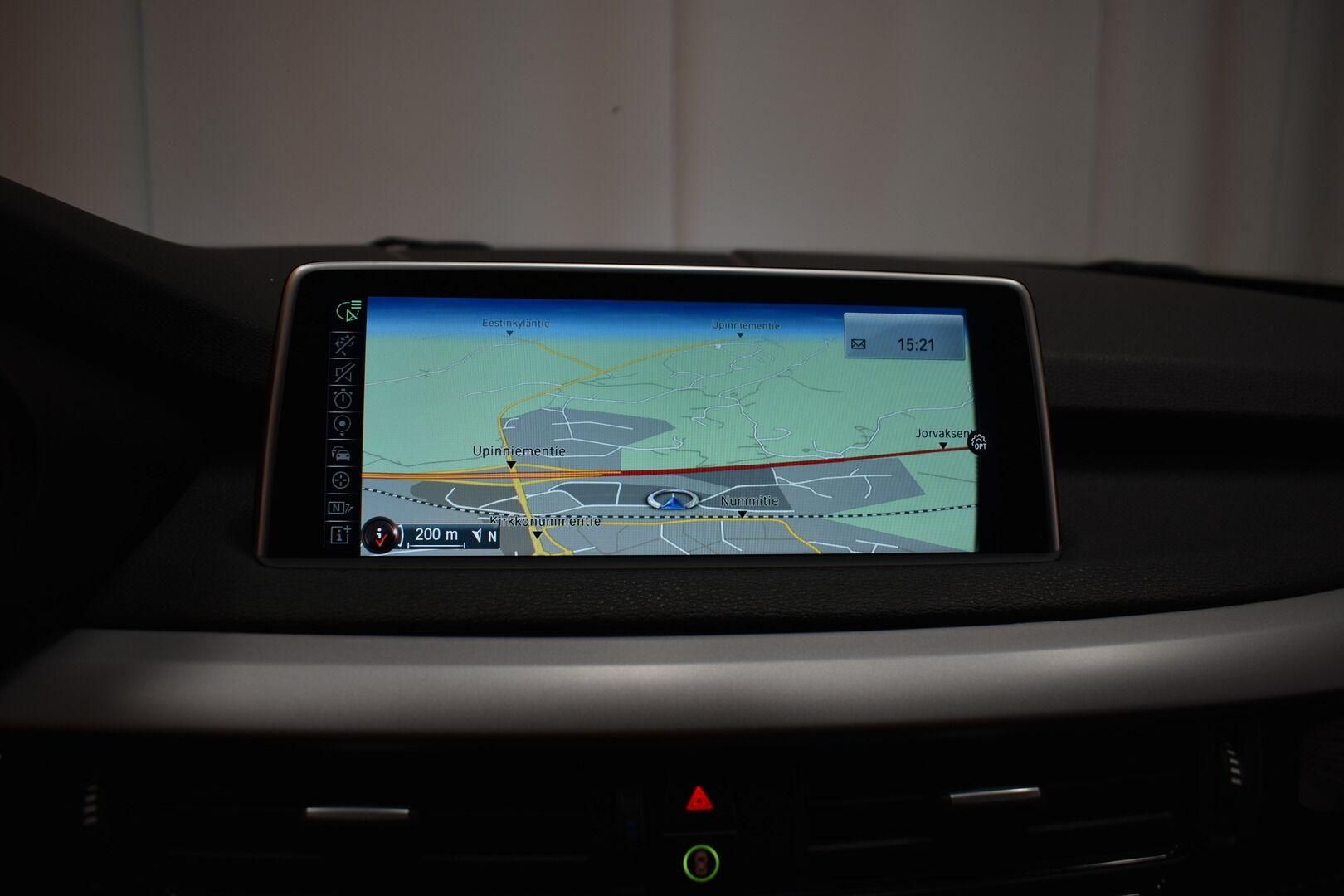 Musta Maastoauto, BMW X5 – LOH-812, kuva 17