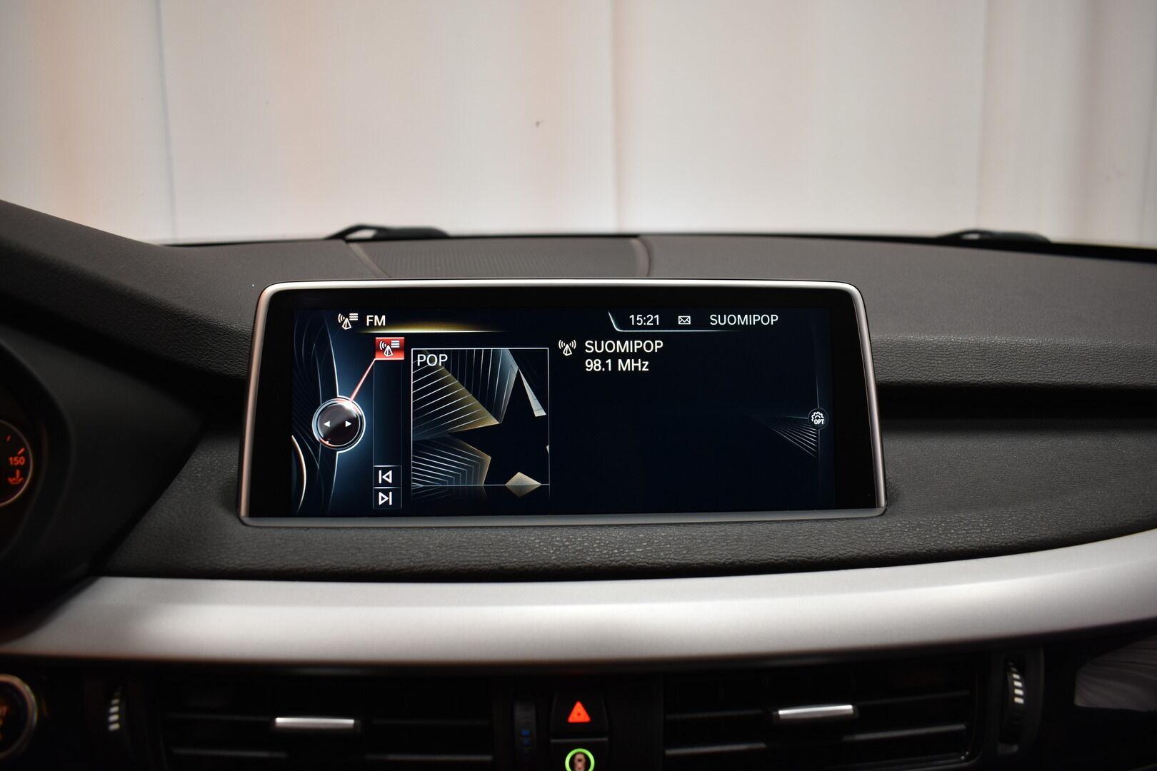 Musta Maastoauto, BMW X5 – LOH-812, kuva 19