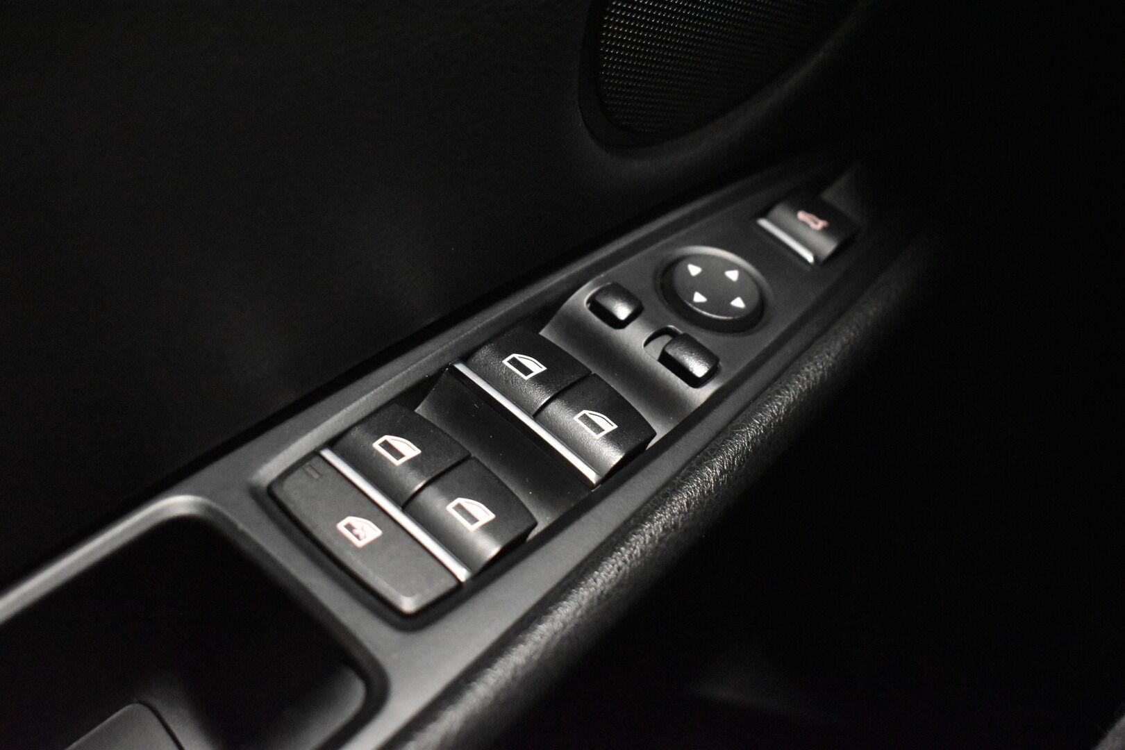 Musta Maastoauto, BMW X5 – LOH-812, kuva 26