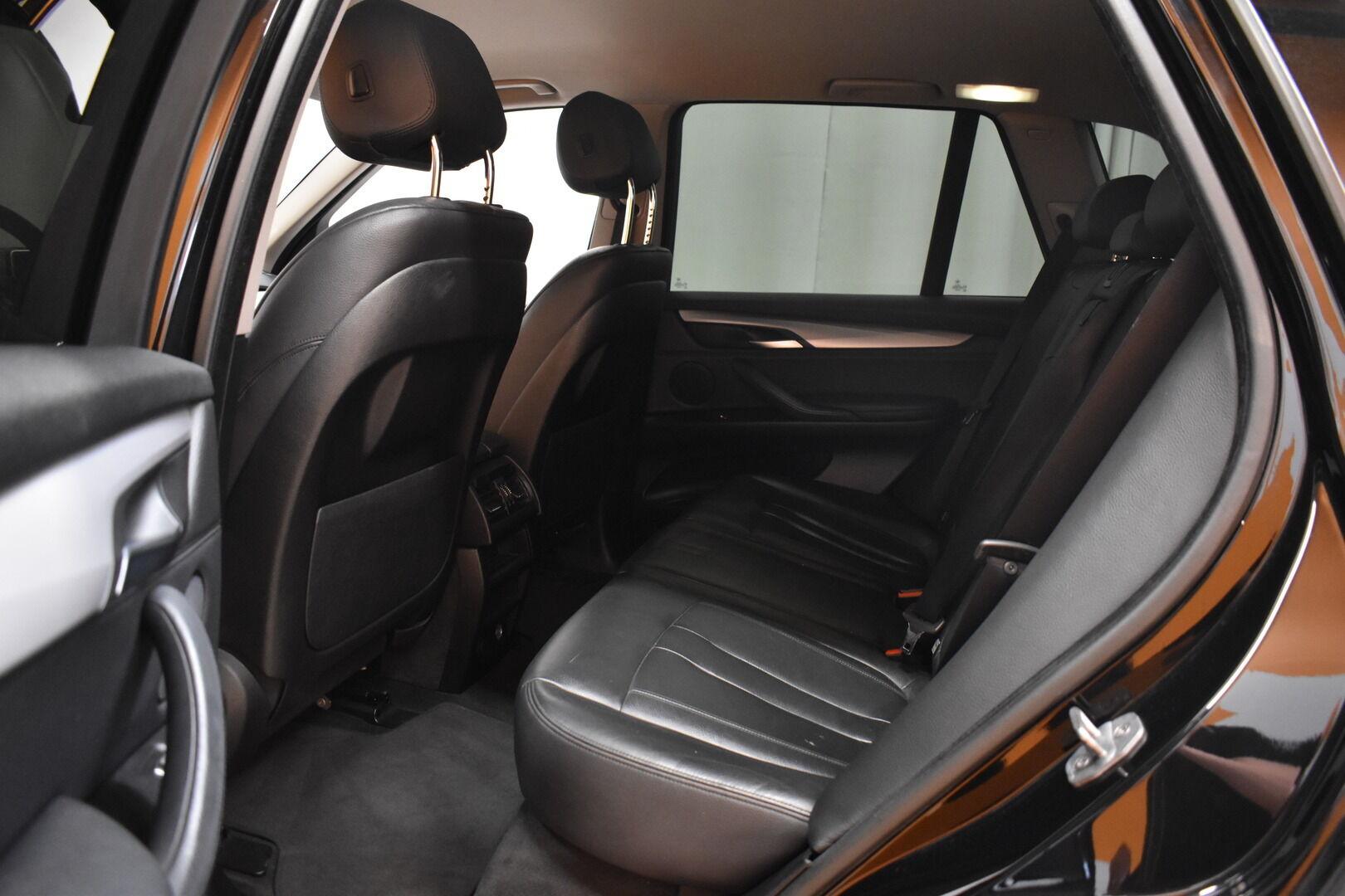 Musta Maastoauto, BMW X5 – LOH-812, kuva 27