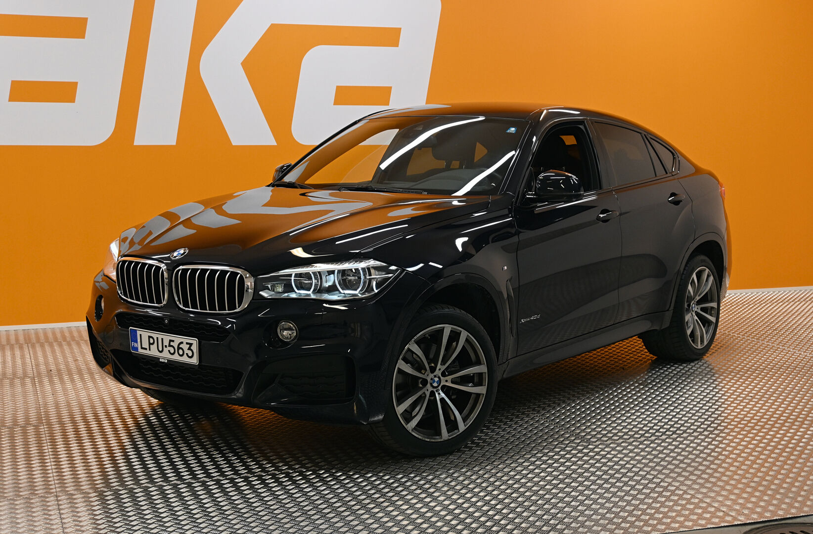 Musta Maastoauto, BMW X6 – OUL-13943, kuva 36