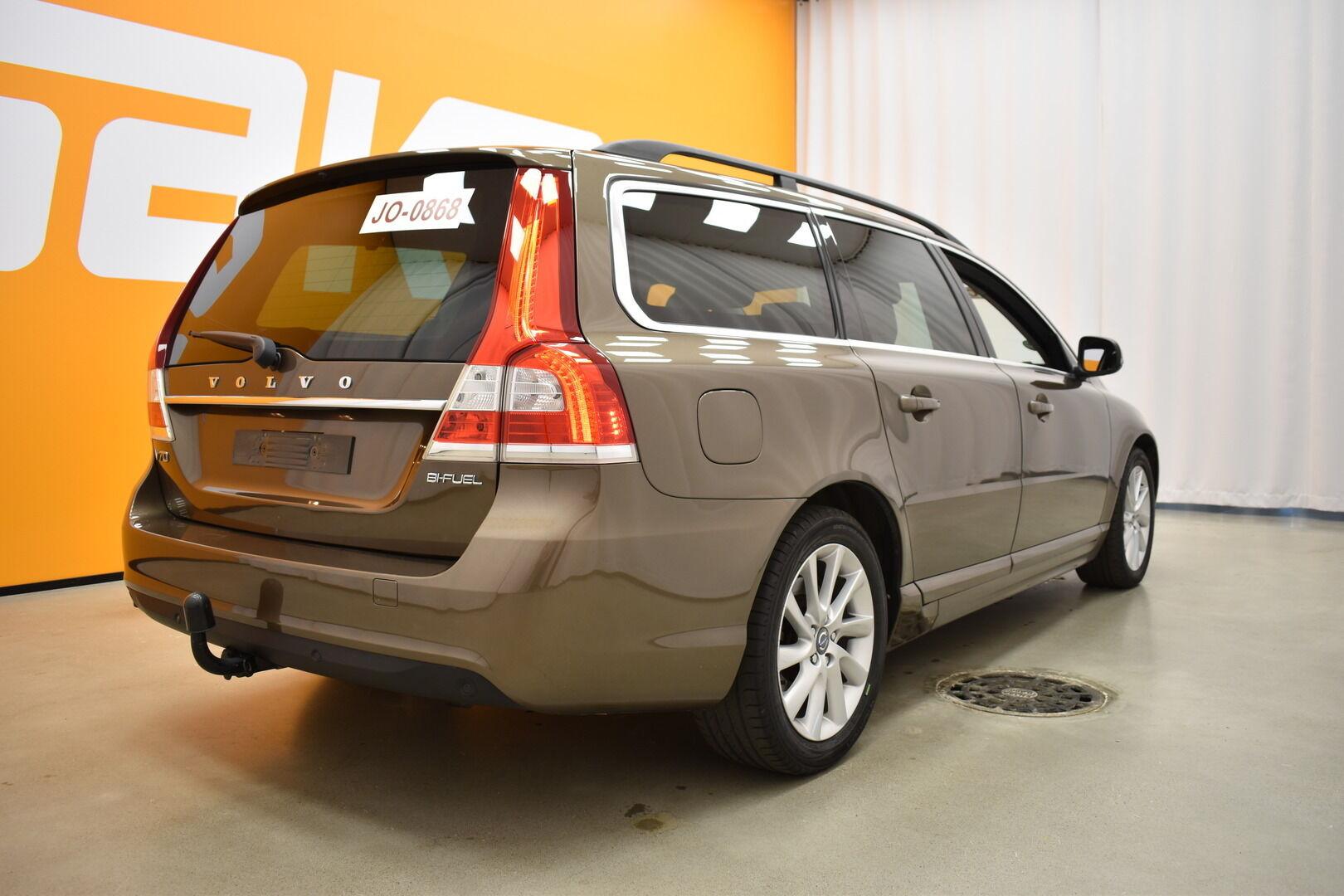 Ruskea Farmari, Volvo V70 – OUL-5351, kuva 1