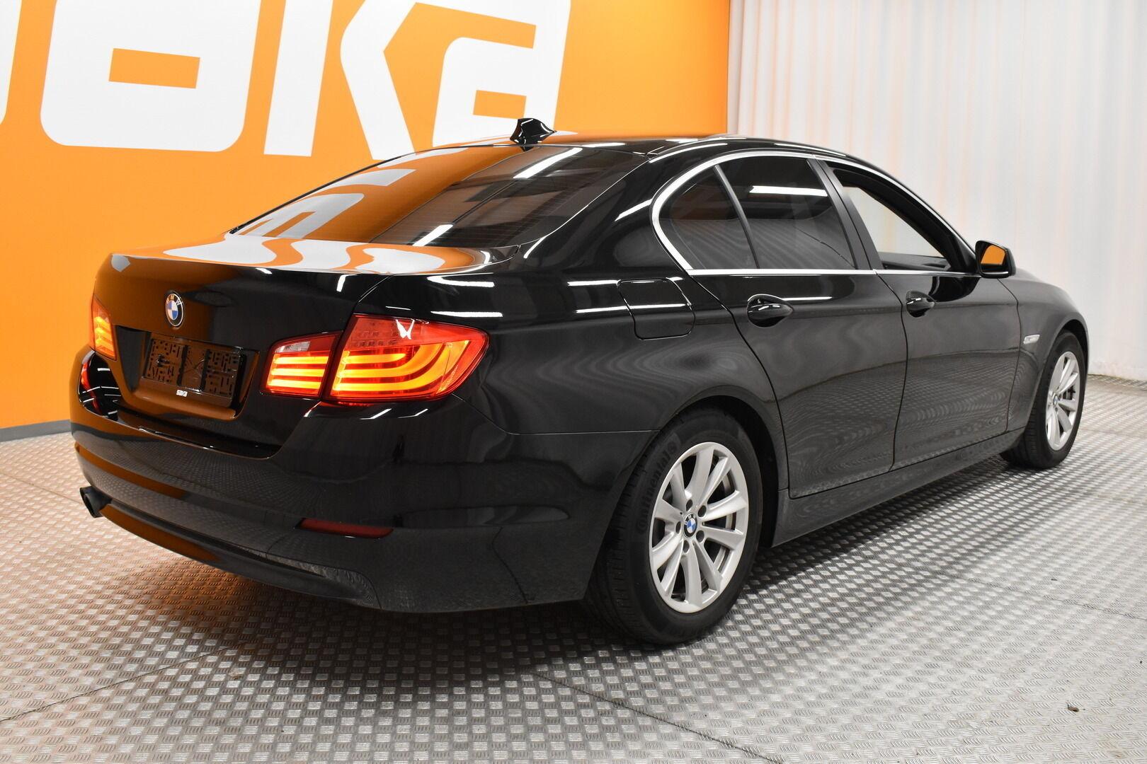 Musta Sedan, BMW 528 – POR-8128, kuva 4