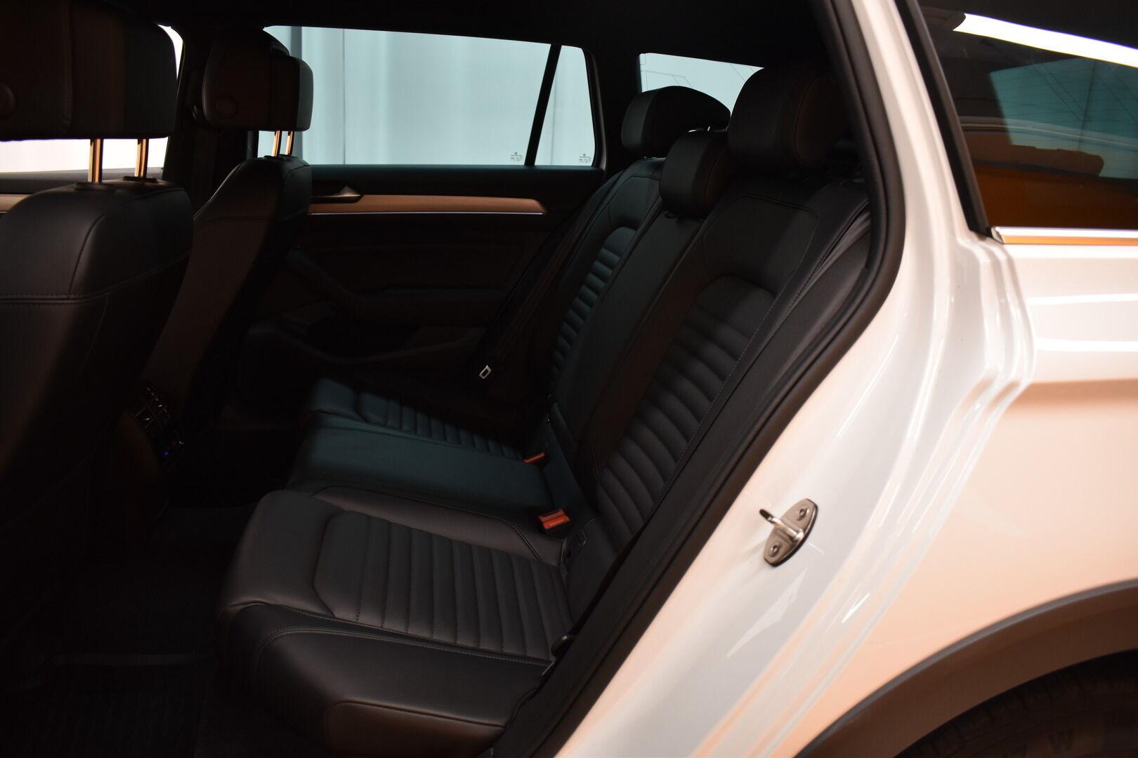 Valkoinen Farmari, Volkswagen Passat – POR-91555, kuva 11