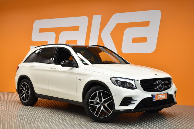 Valkoinen Maastoauto, Mercedes-Benz GLC – RAI-21707