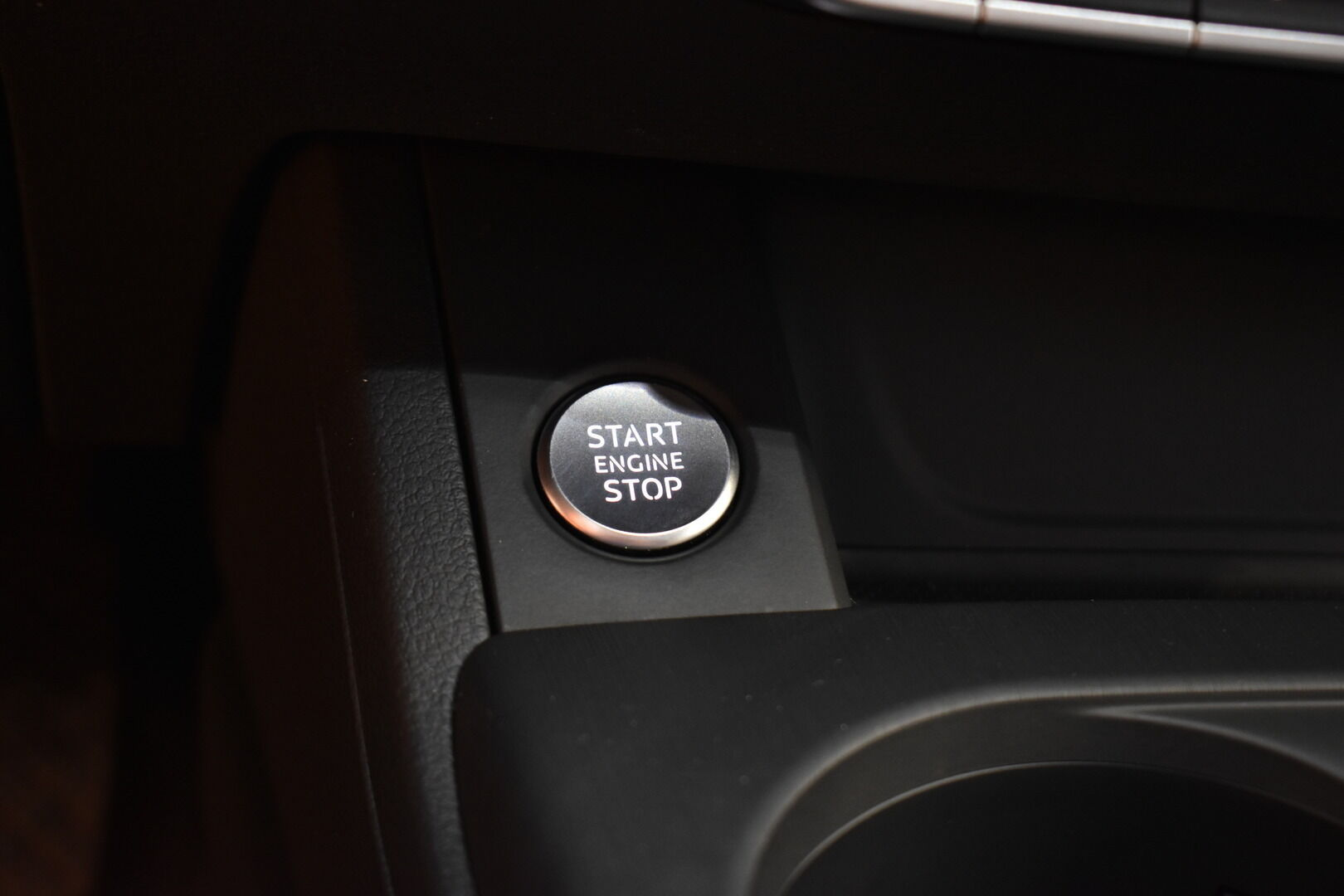 Sininen Farmari, Audi A4 – TAM-75465, kuva 15