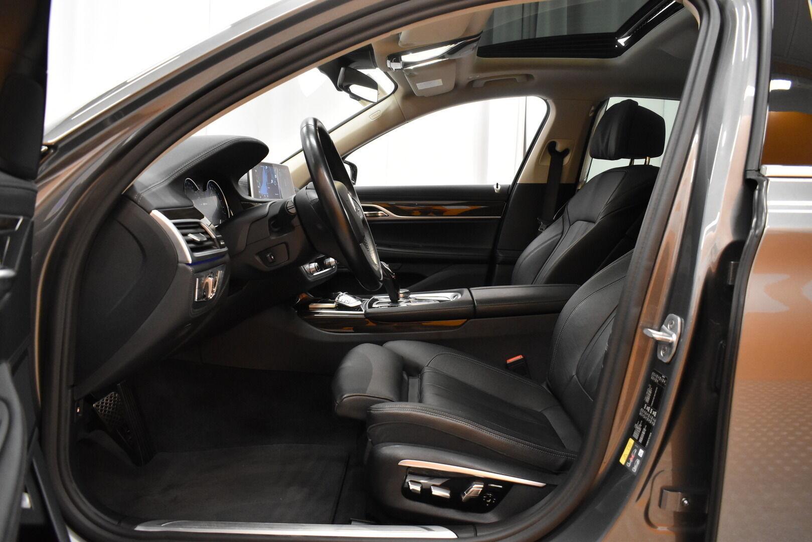 Harmaa Sedan, BMW 740 – VAN-96980, kuva 7