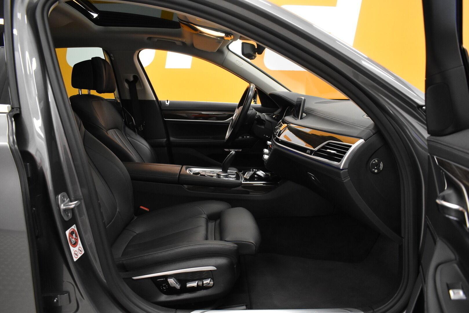 Harmaa Sedan, BMW 740 – VAN-96980, kuva 8