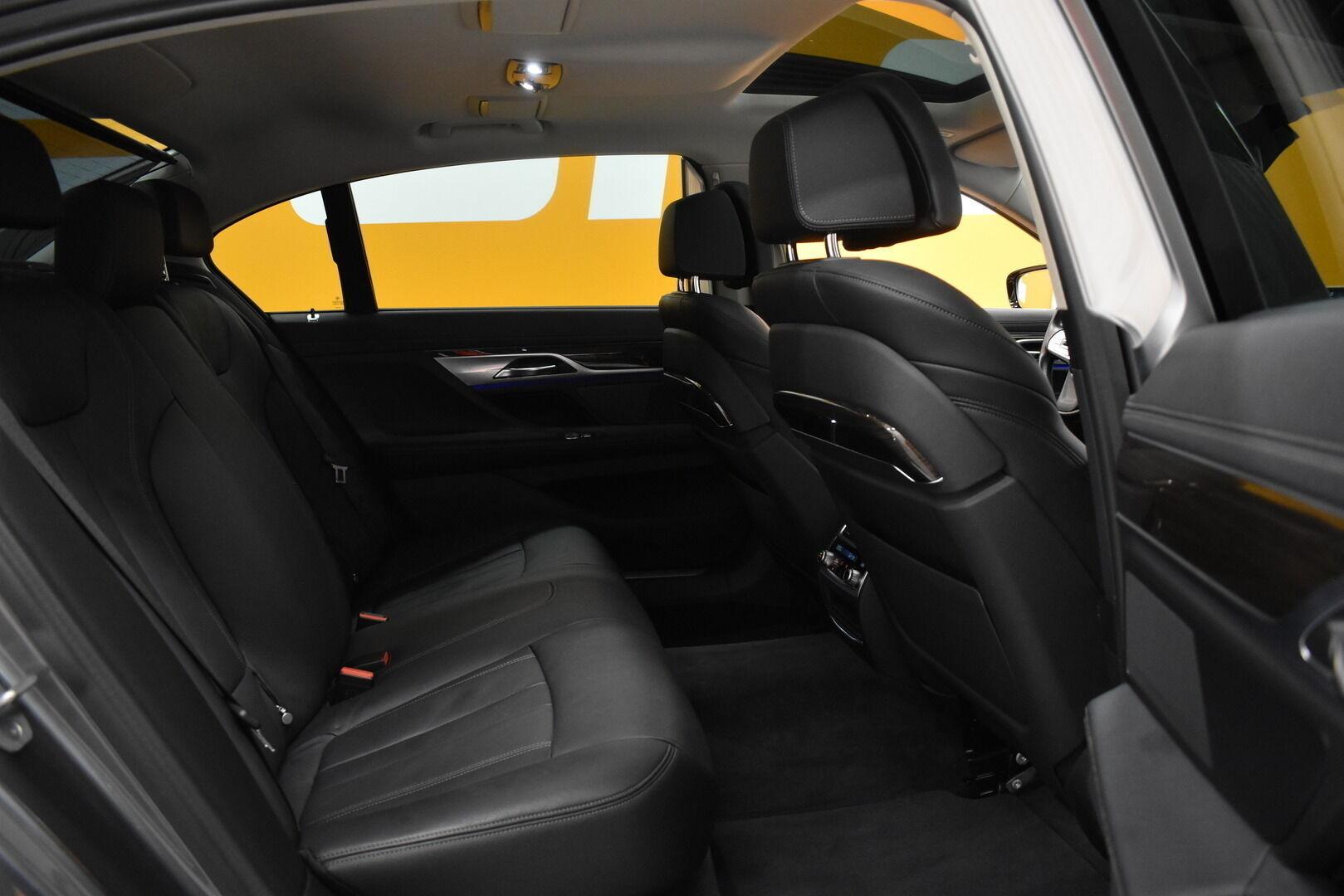 Harmaa Sedan, BMW 740 – VAN-96980, kuva 9